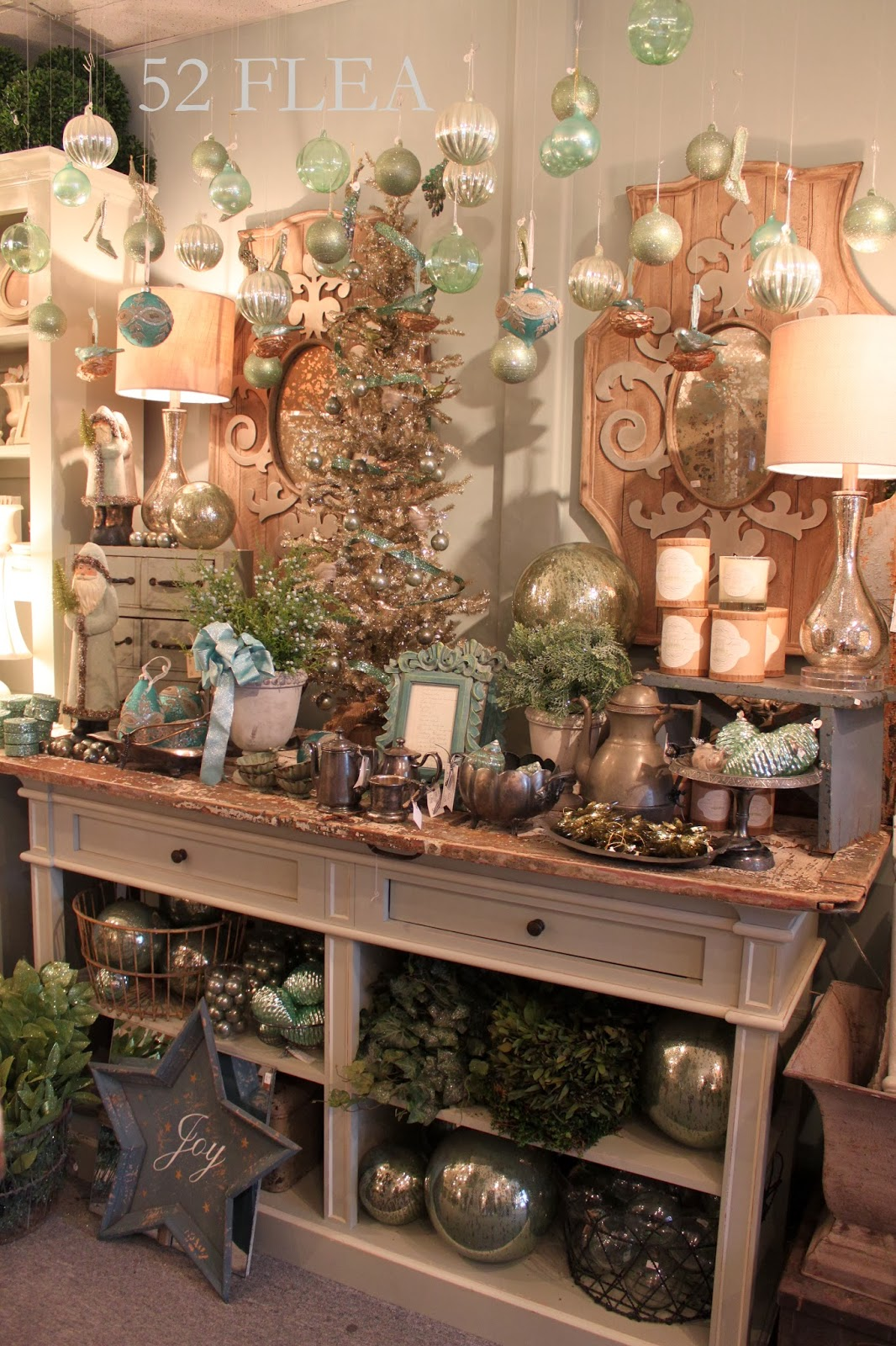 52 flea nest in mystic at christmas for The nest home decor