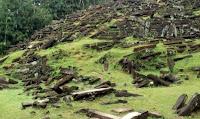 Terasering di Gunung Padang Mulai Tersingkap,situs megalitikum gunung padang gunung padang cianjur wikimapia jelajah gunung padang 1 sejarah gunung padang cianjur wisata gunung padang cianjur penelitian gunung padang cianjur gunung padang cianjur september 2012 gunung padang cianjur