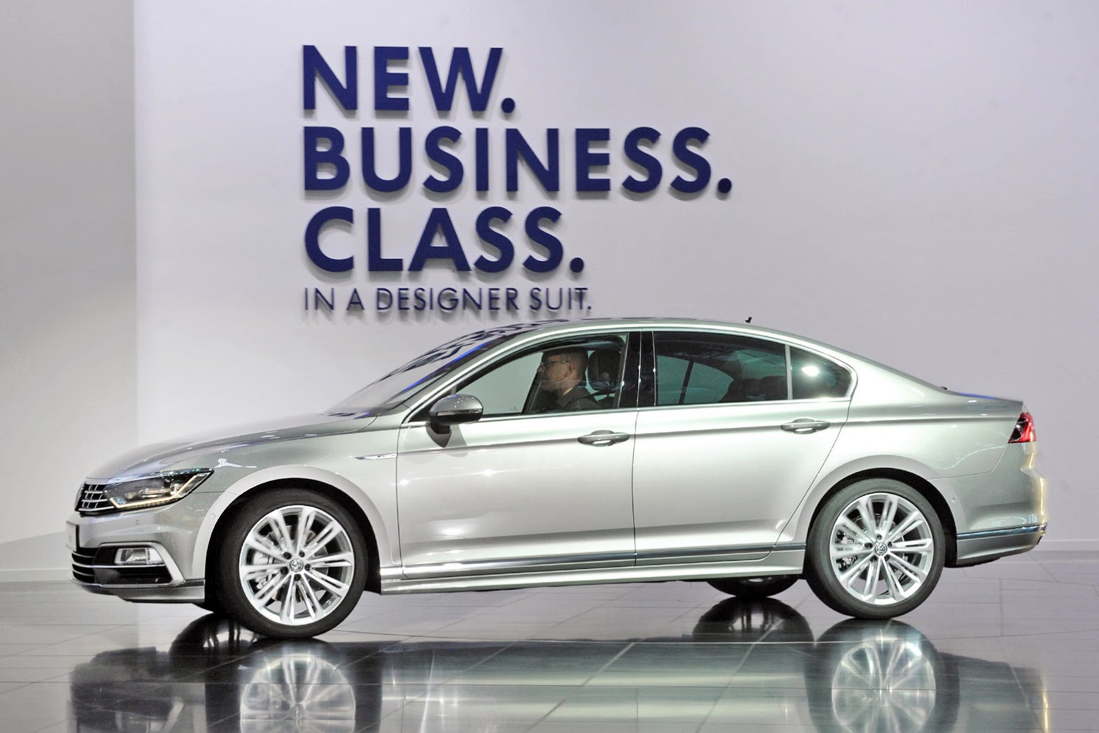 new car release 2014 ukVW Releases Pricing for New Passat in the UK