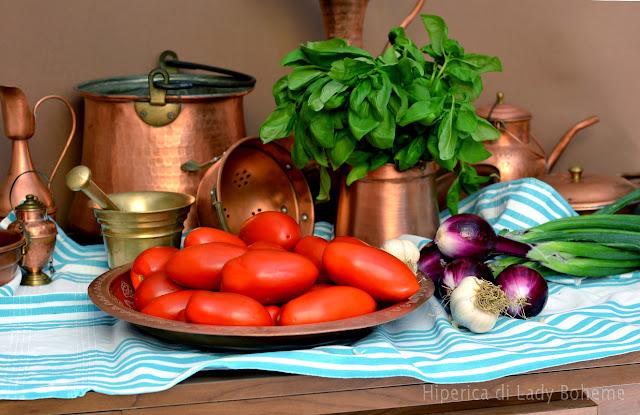 hiperica_lady_boheme_blog_di_cucina_ricette_gustose_facili_veloci_pomodori_rossi_3