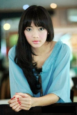 Foto Ririn Dwi Ariyanti Cantik dan Manis