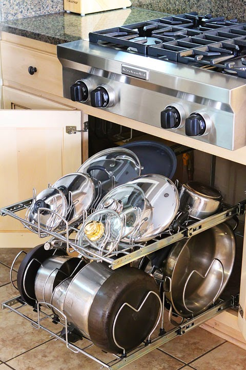 Pots and pans divider drawer