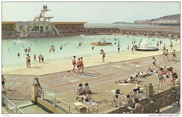 Contenedores de arte extremadura el contenedor de arte de banksy for Camping weston super mare with swimming pool