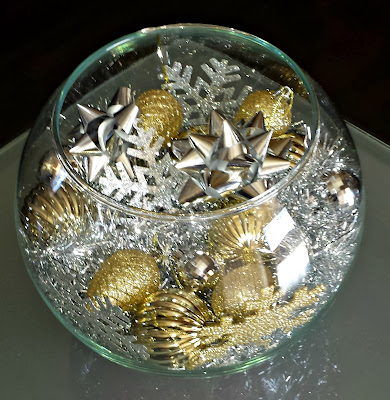 Diy Silver Amp Gold Christmas Fish Bowl Centerpiece On A