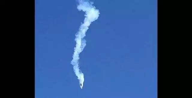 Κάμερα καταγράφει την τρομακτική πτώση ενός αεροσκάφους [Βίντεο]