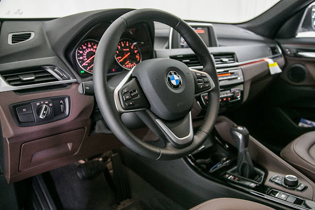 Novo BMW X1 2016 - interior - xDrive 25iSport