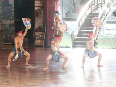 Tribal dance performance at Naruwan Theatre Formosa Aboriginal Culture Village