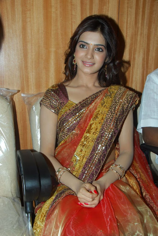 Samantha Sizzles at South India Mall Launch Photoshoot images