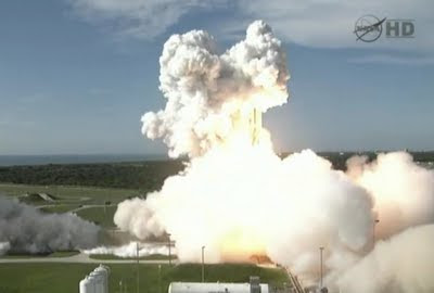 successful liftoff for nasa 'grail' spacecraft