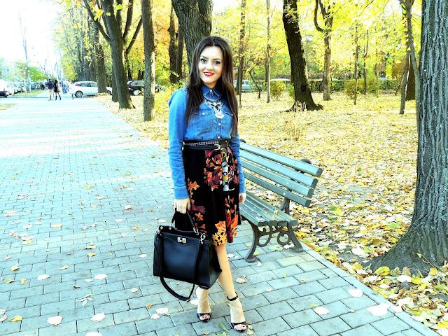 Fashion tribute to sunny days
