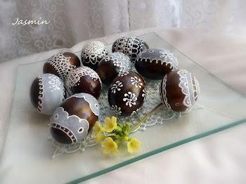 Kursik-serwetka filet malowana na szkle