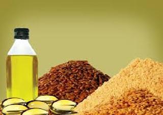 Linhaça e suas propriedades :  A linhaça é uma semente extremamente rica e considerada um alimento funcional, ou seja, além de nutrir, tem propriedades benéficas para a saúde e qualidade de vida, podendo agir na prevenção de doenças. Ela possui proteína, gorduras insaturadas (ômega 3 e 6), fitoestrógenos (lignanas), proteínas, vitaminas A, E, B1, B6, potássio, magnésio, fósforo, cálcio, ferro, cobre, zinco, manganês e selênio.