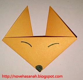 hasil akhir cara melipat kertas origami untuk membuat wajah serigala ini bagus diberikan untuk anak tk dan sd kelas 1