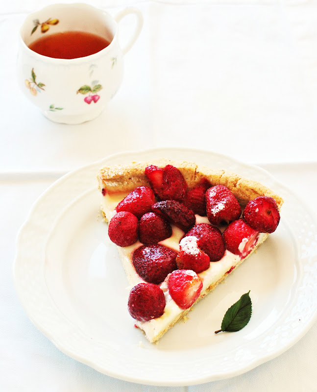 noms white chocolate strawberry tart