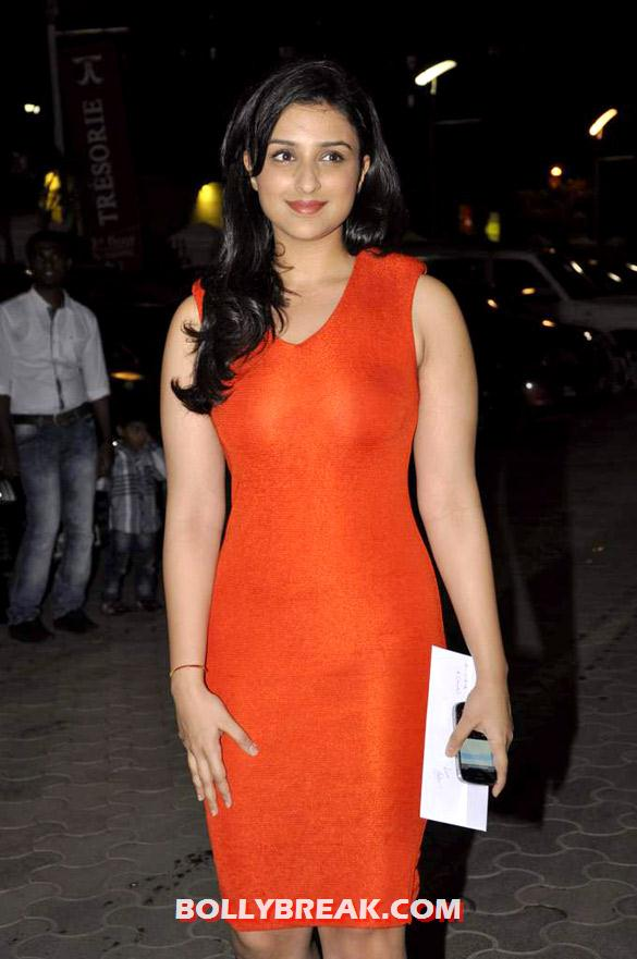 Parineeti Chopra - (8) - Hot Celebs attend 'Shirin Farhad Ki Toh Nikal Padi' Screening at Cinemax
