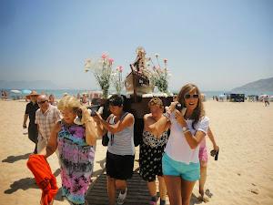Getares celebra su procesión marinera. La Virgen del Carmen, bendice las aguas de la Bahia.