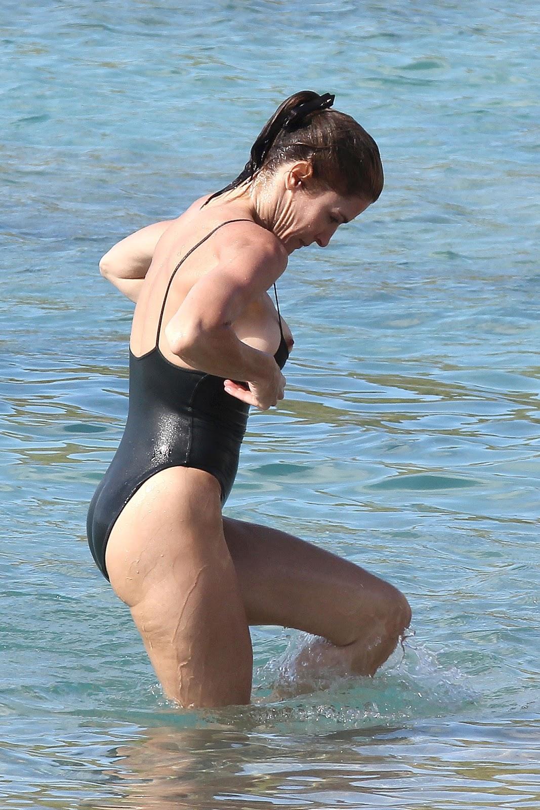 http://3.bp.blogspot.com/-0-_dxyq_IR4/UN6Ndje_xeI/AAAAAAABSXc/fzCHWkqTMWw/s1600/Stephanie-Seymour-21.jpg