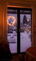 Licht im Garten ist im Winter besonders romantisch, wenn Schnee und Rauhreif glitzern