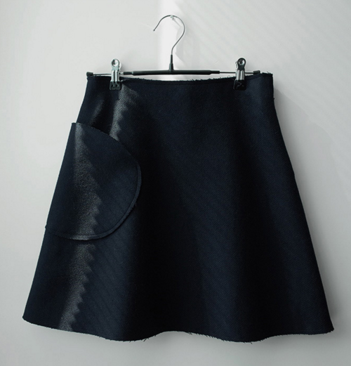 Curve Pocket A-Line Skirt