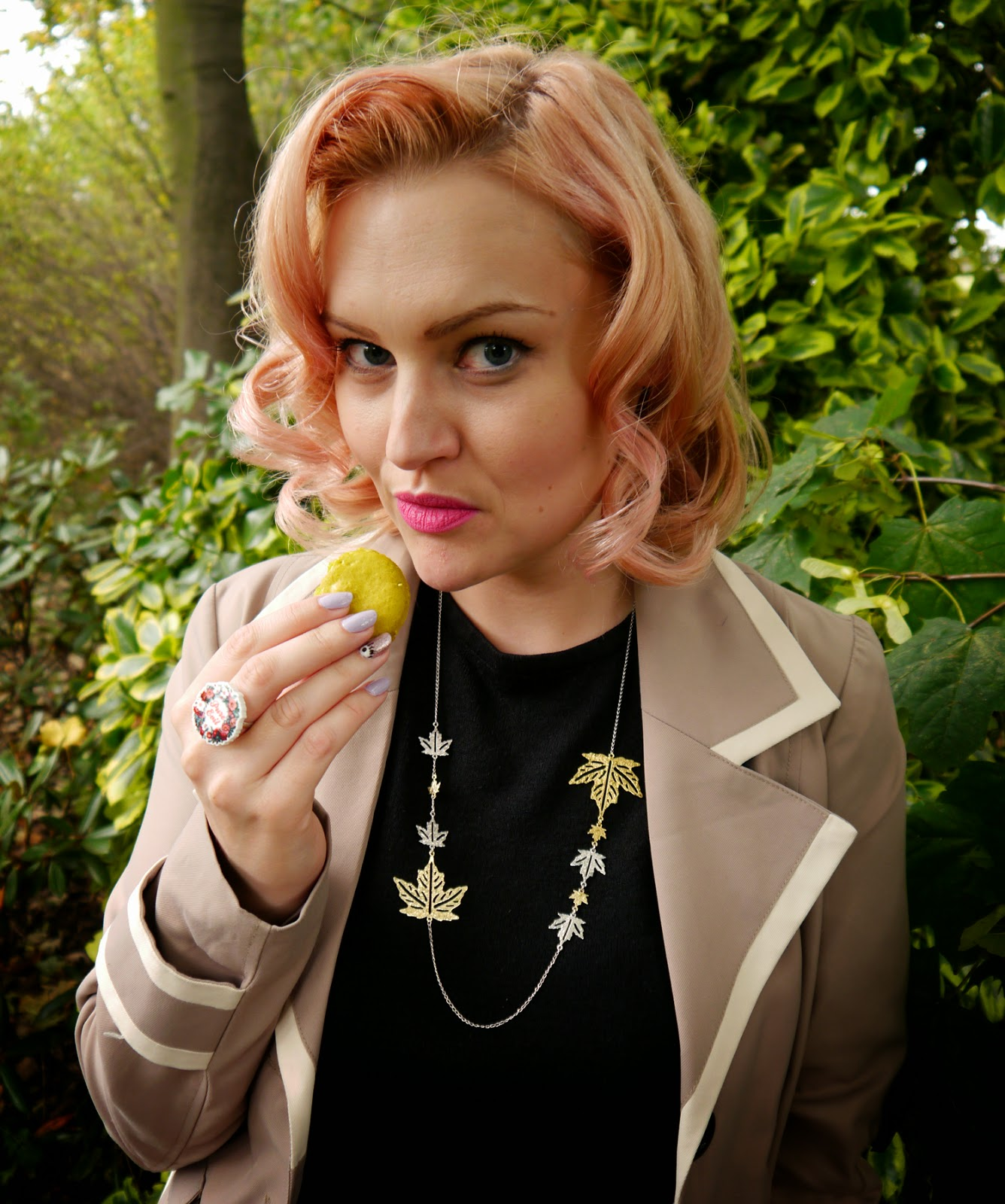 peach hair, vintage hair, pin up, pin curl, macarons, Mademoiselle Macaron, Edinburgh, La La Land, jewellery, Autumn style, Fall, Princes Street, model, pretty