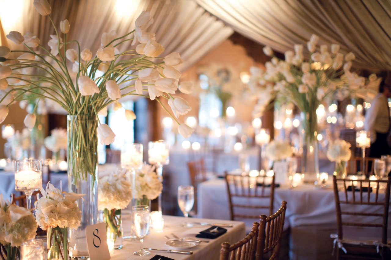 Business directory products articles companies for Floral wedding decorations ideas