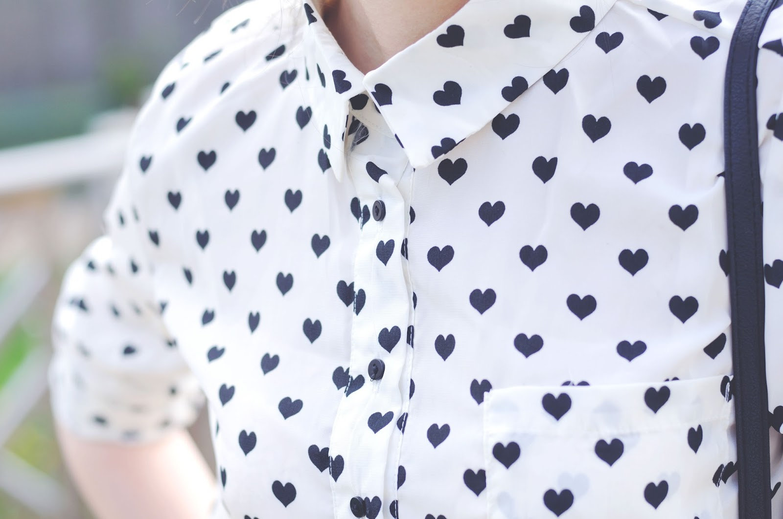 Heart print blouse, how to wear monochrome