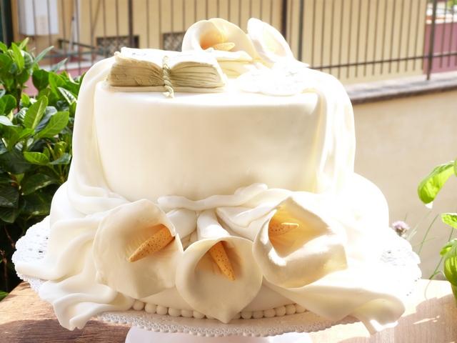 Top Rosaria ai fornelli: Torta per comunione OK01