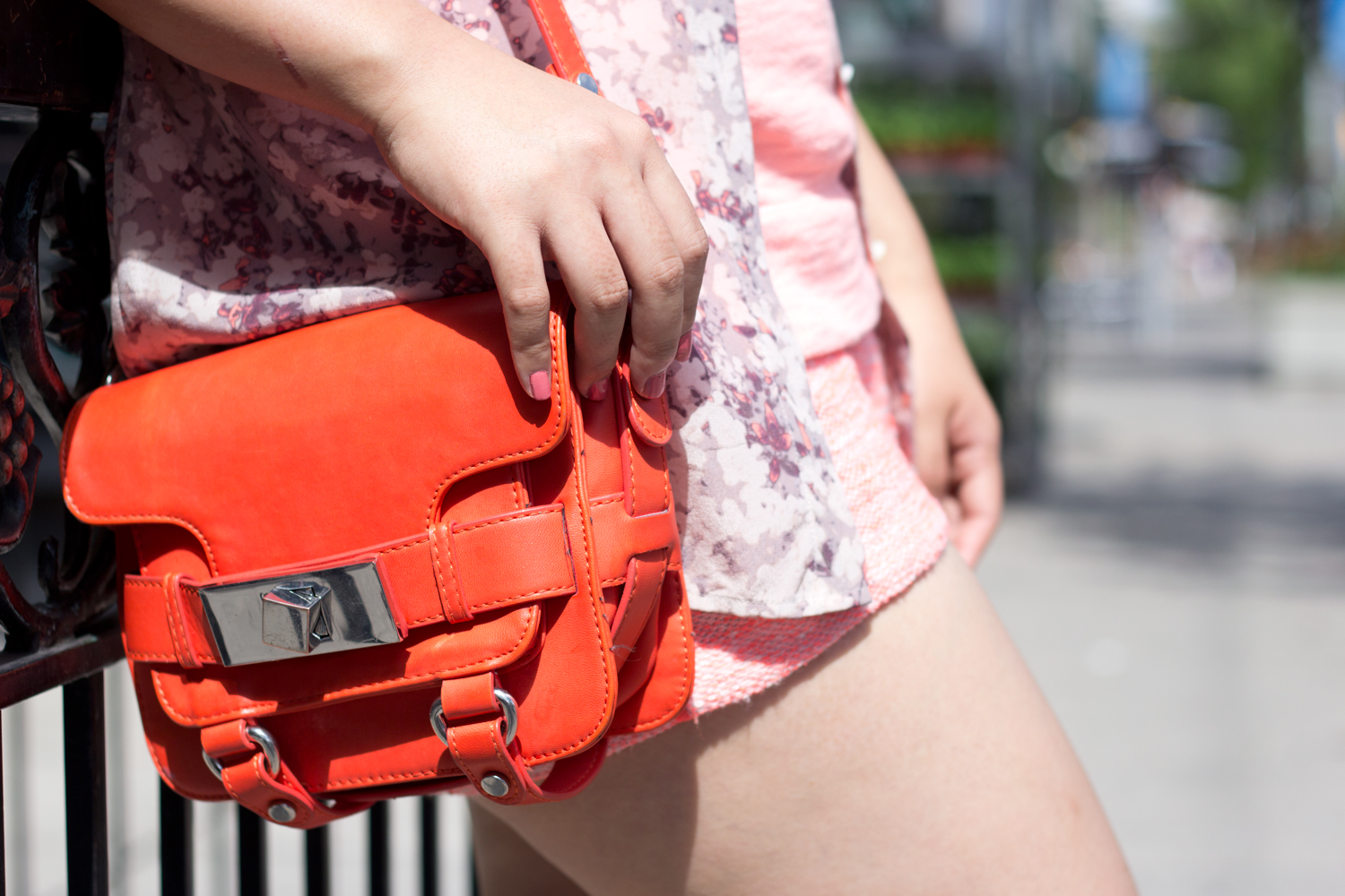 monochromatic-summer-look, neon-orange, floral-blouse, Zara-bag