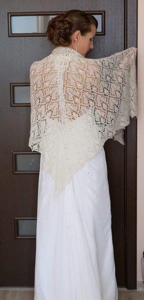 Bruid met shawl.( voorbeeld foto, deze heb ik niet)