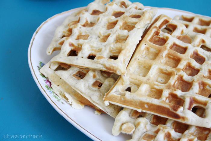 Luloveshandmade: Recipe: hazelnut waffles.
