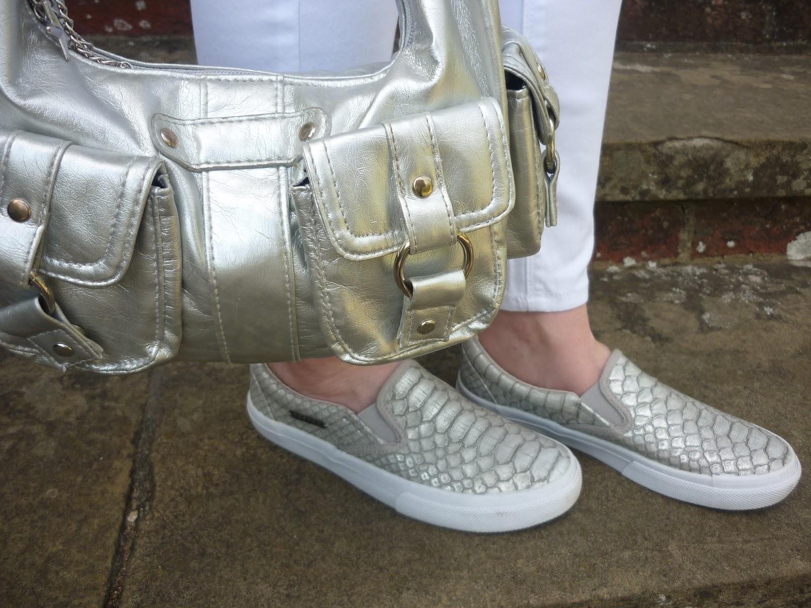 Silver Bag & Silver Mock Cros | Petite Silver Vixen