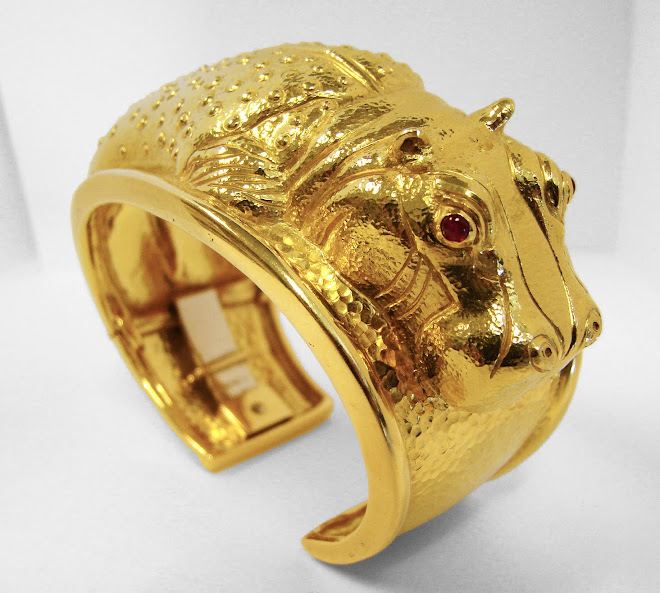 Fashion - Happy as a hippo - David Webb Hippo bracelet