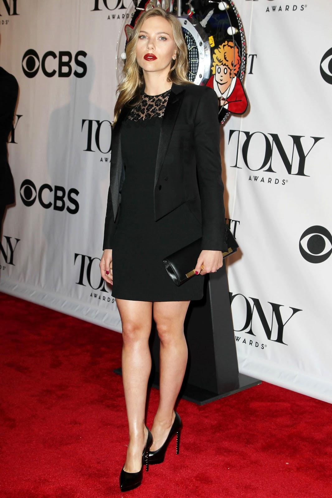 http://3.bp.blogspot.com/-018b7OztHT0/UbaClGyZ4QI/AAAAAAAAgm4/O9L3yLq8uK8/s1600/Scarlett+Johansson+at+The+67th+Annual+Tony+Awards+Red+Carpet+-+June+9,+2013+-08.jpg