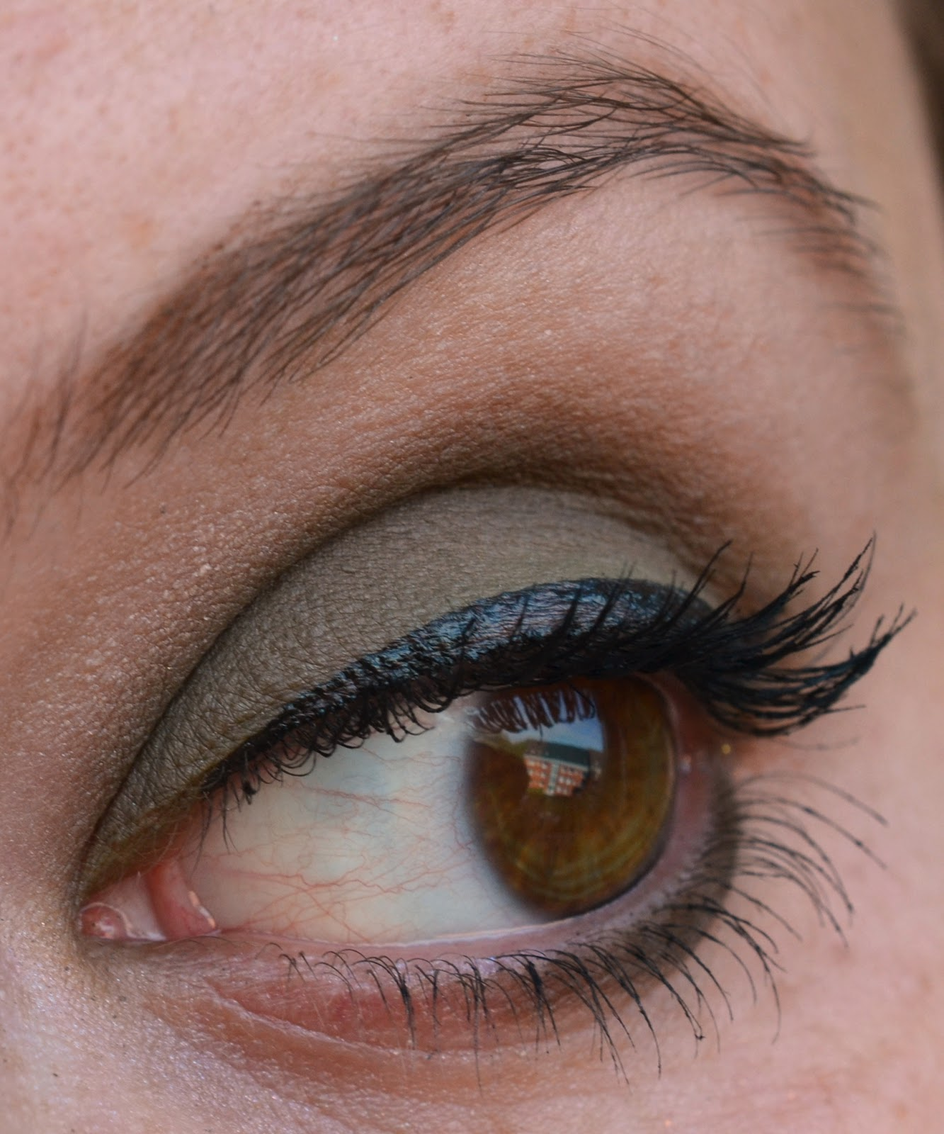 "Farbe Nach Streichen Fleckig: Lenas Sofa: Make Up Factory ""MATWanted"" Mat Eye Shadow 45"
