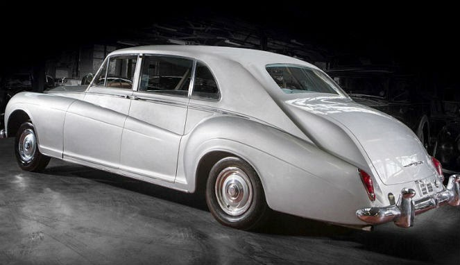 Rolls-Royce Phantom Elvis Presley Dilelang Rp3,5 Miliar