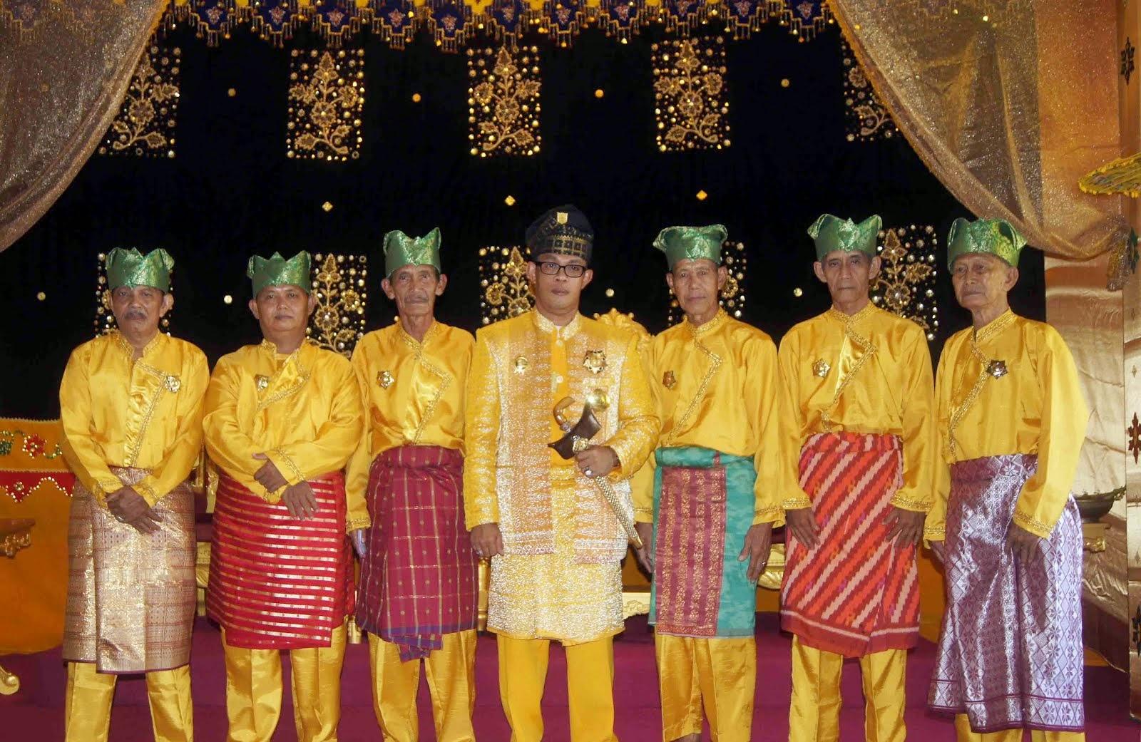 Dewan Sepuh Kerajaan