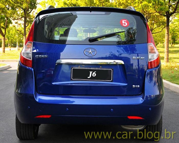 Nova Jac J6 - traseira