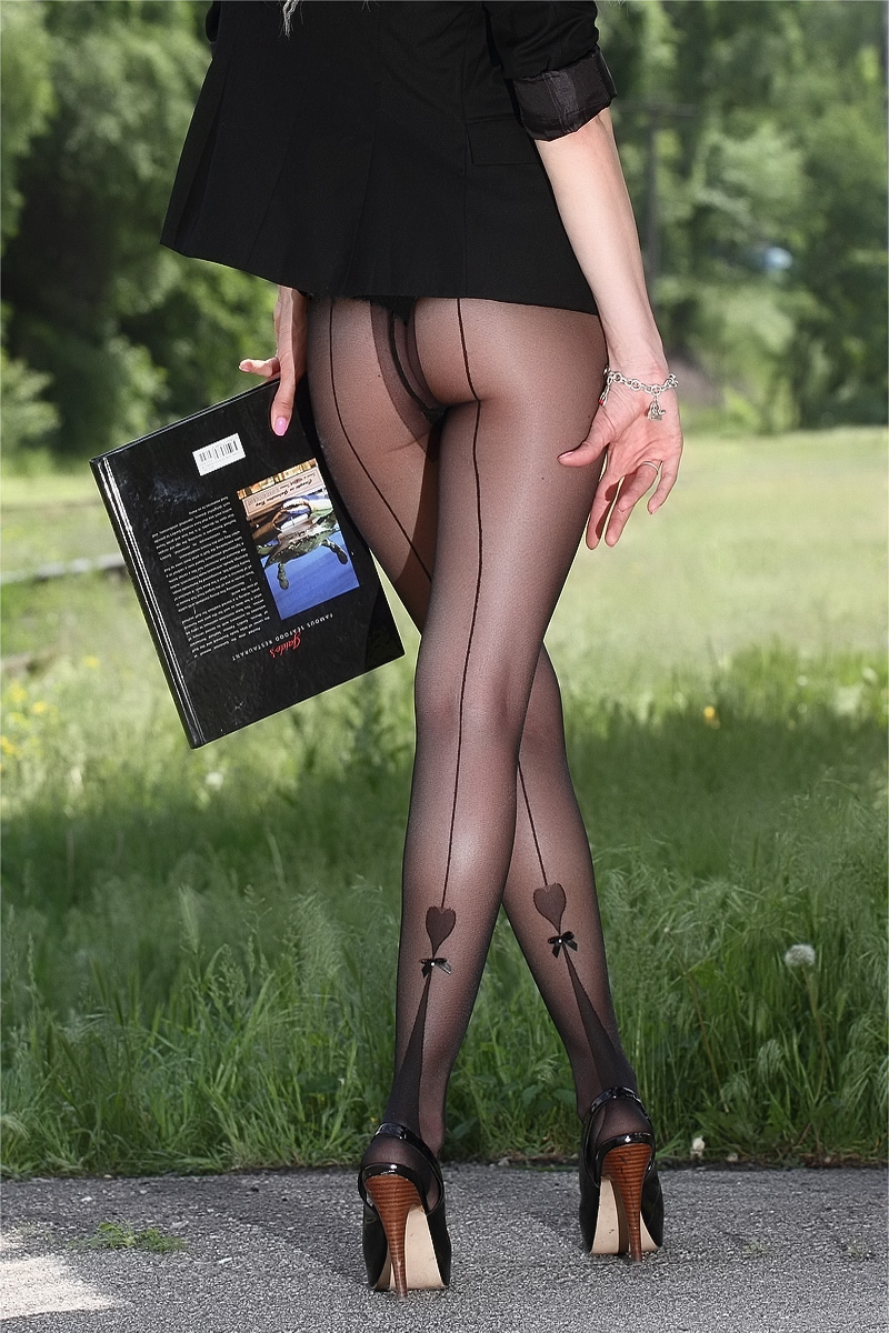 Personaly Pantyhose fashion photography Emma Starr&nbsp
