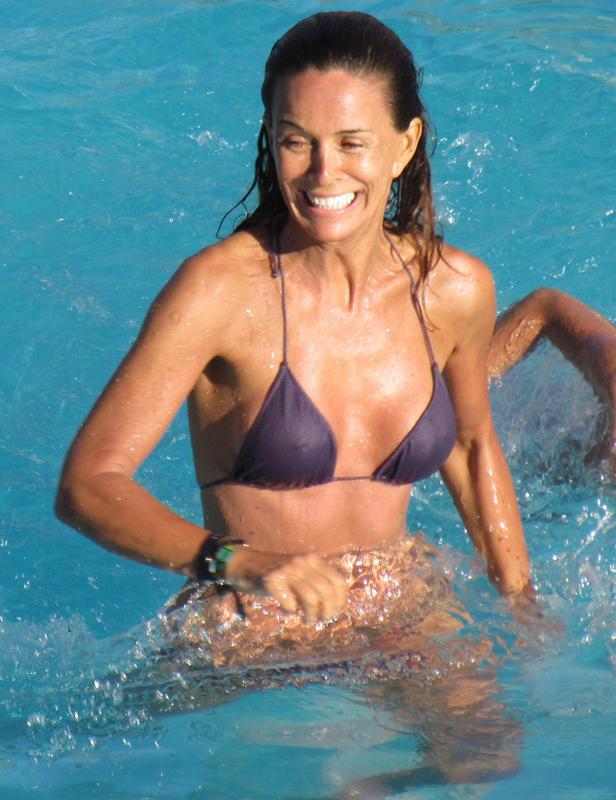 Lydia Bosch Bikini A Sus Os