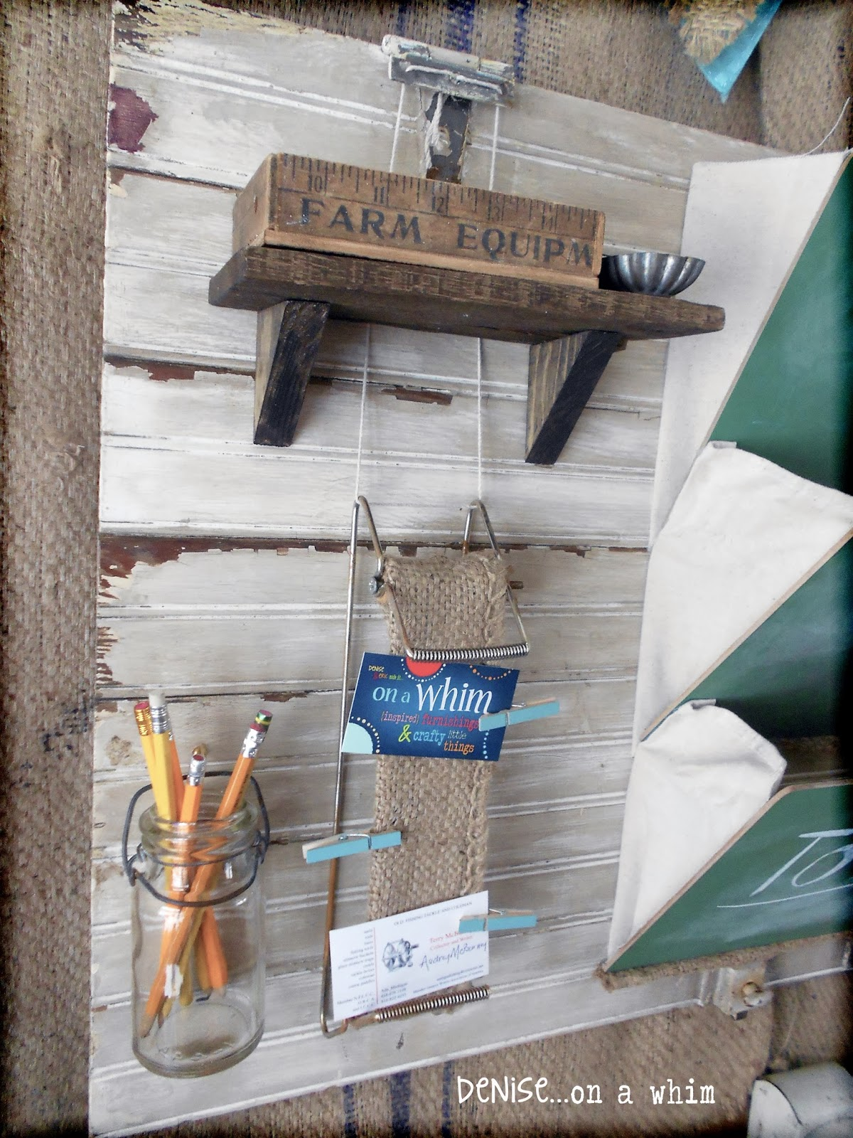 Small Pallet Wood Shelf on a wall Organizer Made from Junk via http://deniseonawhim.blogspot.com