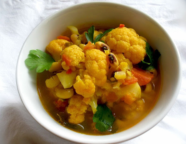 Curried Cauliflower and Black-Eyed Pea Soup