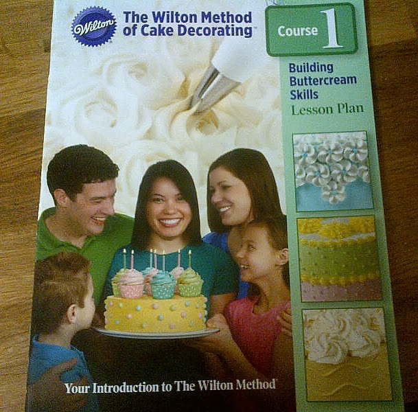 Wilton Method Of Cake Decorating Kit : Crumbs and Bumbles: Wilton Method of Cake Decorating ...