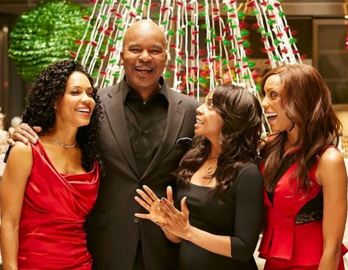 L to R, Cindy Herron, David Alan Grier, Terry Ellis and Rhona Bennett in An En Vogue Christmas