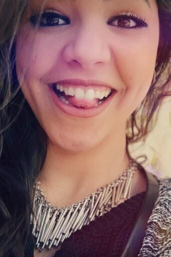 Mírame, ¿lo sientes? No hay nada más claro que una mirada acompañada de una sonrisa.