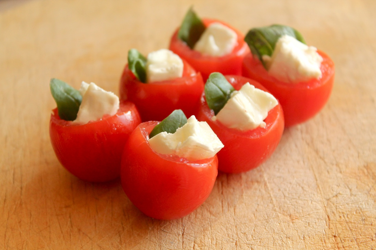 Easy canapes tomato basil and goats cheese for How to make canape cases