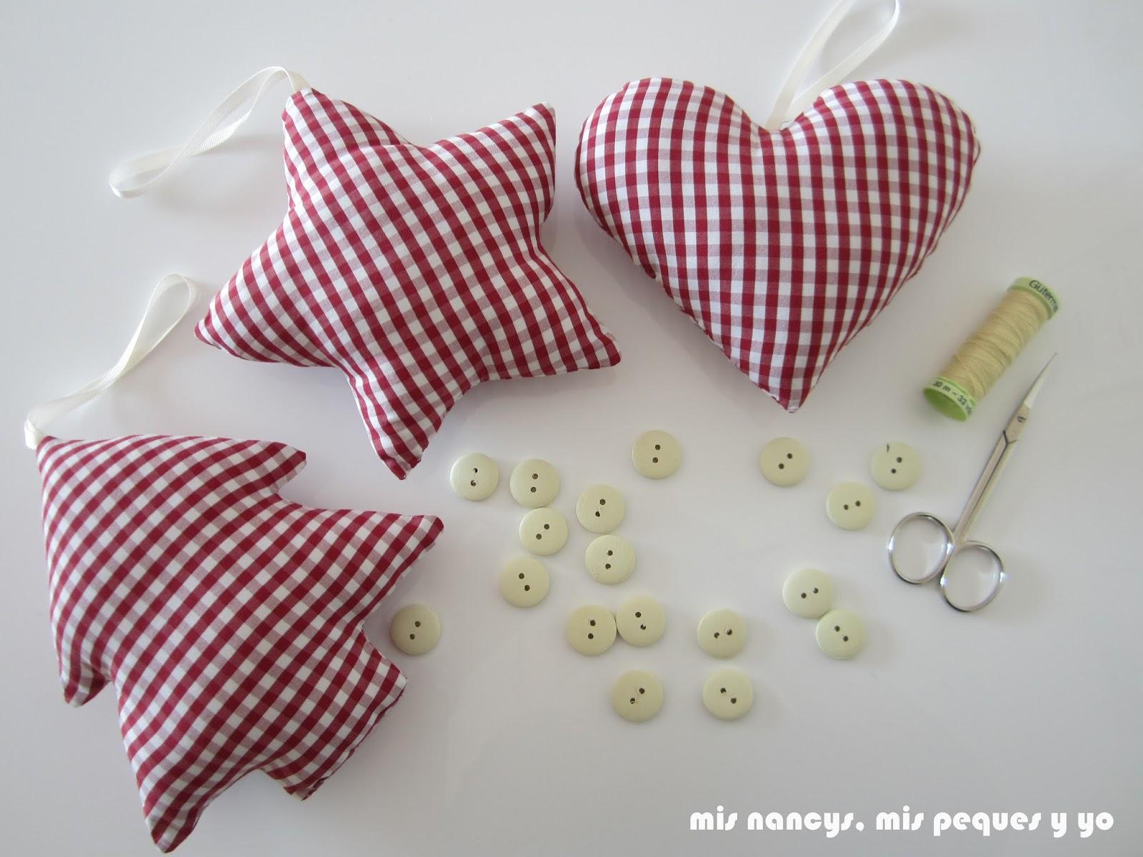 mis nancys, mis peques y yo, tutorial DIY adornos Navidad, coser botones
