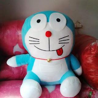 Boneka doraemon jumbo warna biru