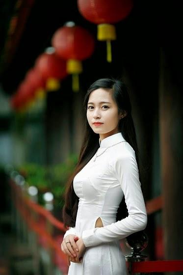 Ảnh gái đẹp diệu dàng trong tà áo dài 1