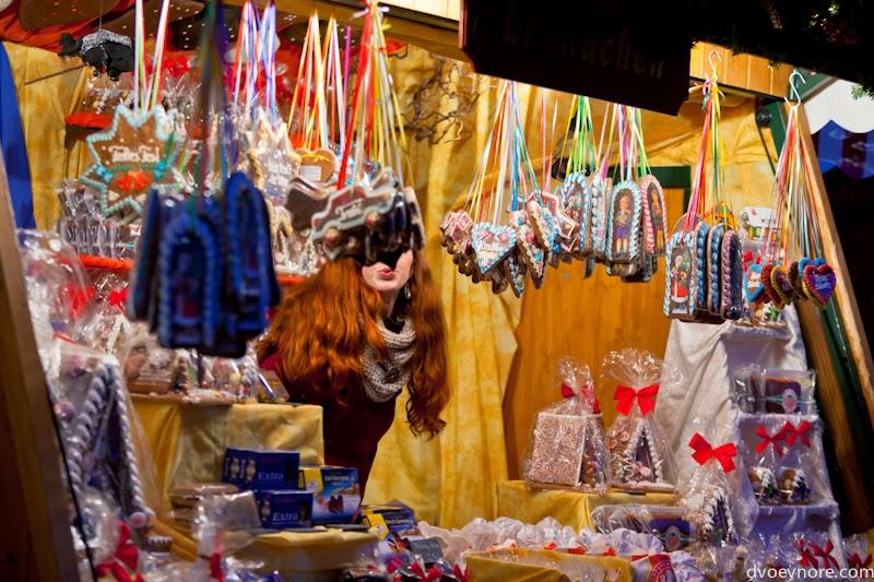 Рождественская ярмарка в центре Нюрнберга, Германия. Christmas market in Nuremberg, Germany