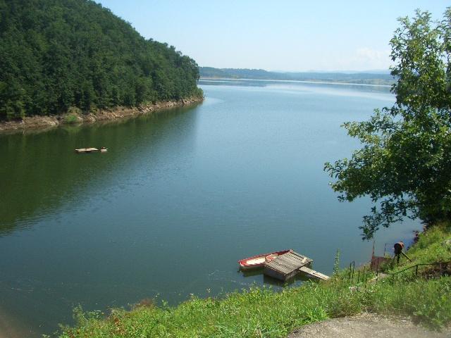 Triatlonul Lacului Surduc - provocare verii pentru locuitorii zonei de vest a țării. Lac